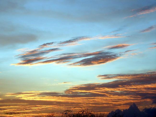 Облака или космические корабли?